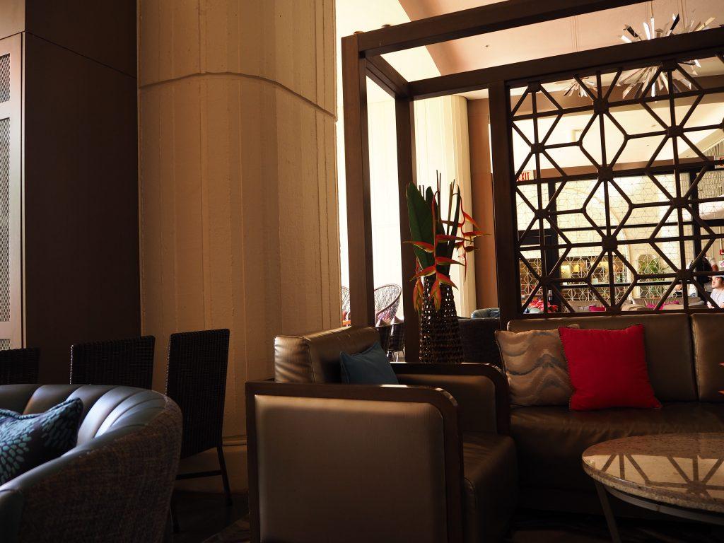ロイヤルハワイアンホテル(The Royal Hawaiian)、マイラニタワー専用ラウンジ