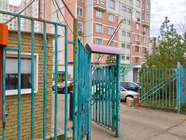 ロシアのマンション入口