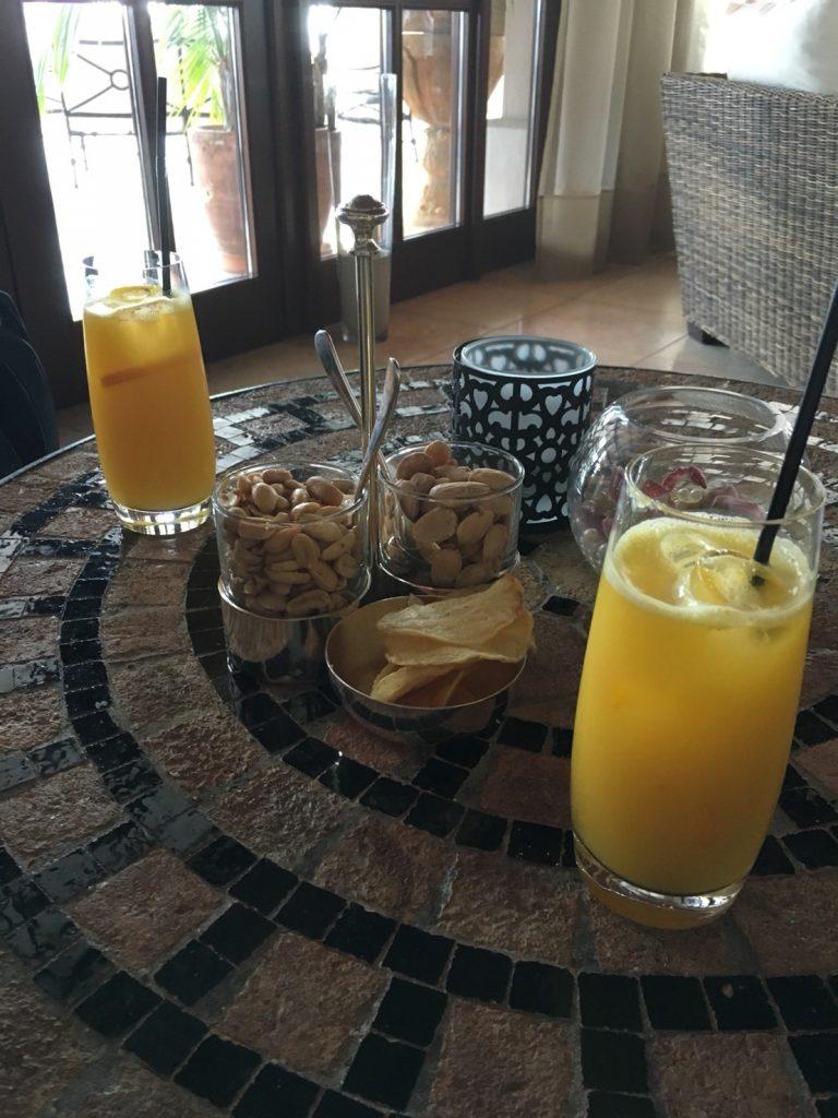 ザ セントレジス マルダバル マヨルカ リゾート(The St. Regis Mardavall Mallorca Resort)チェックイン時のオレンジジュース