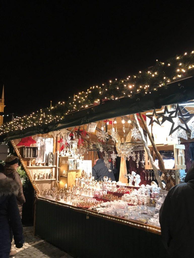 アウクスブルクのクリスマスマーケットの出店