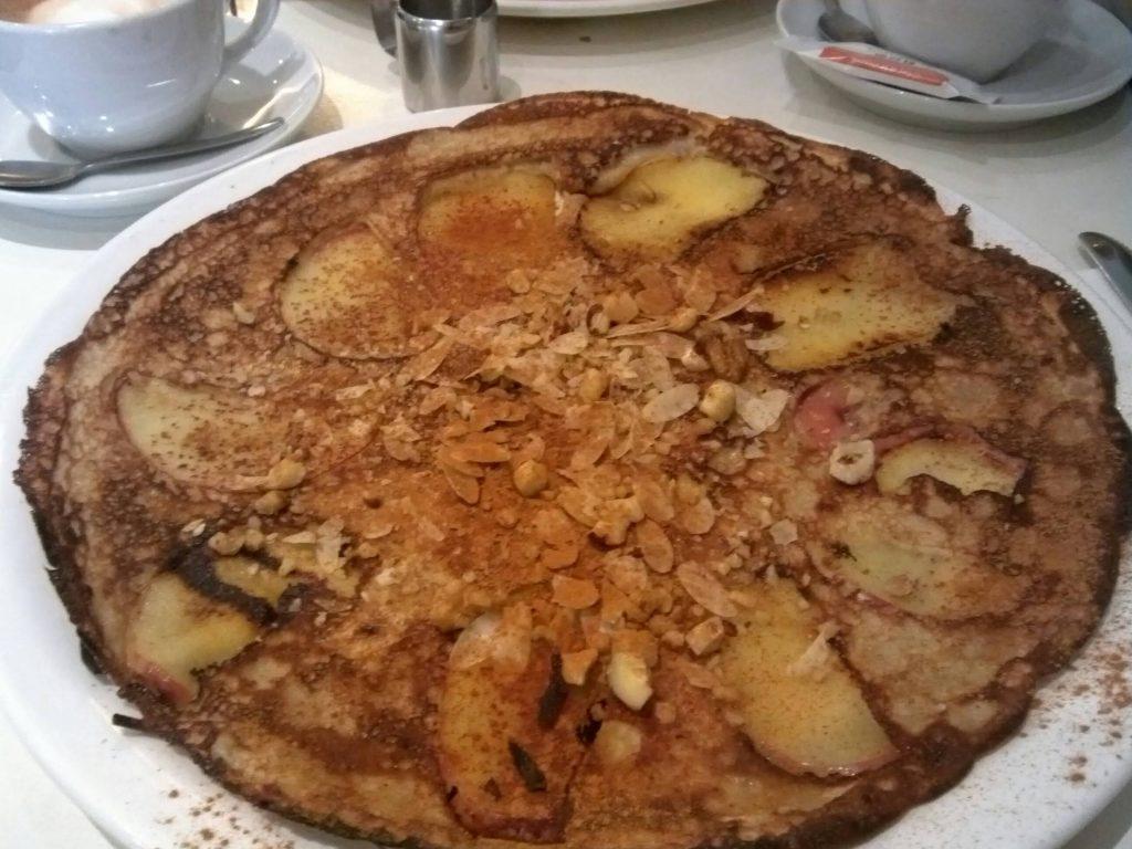 パンケークス!アムステルダムのアップルシナモンパンケーキ