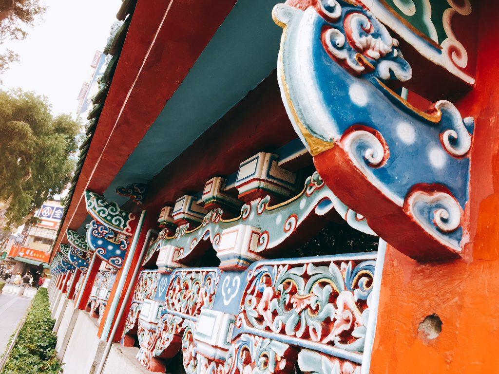 台湾の龍山寺の外観