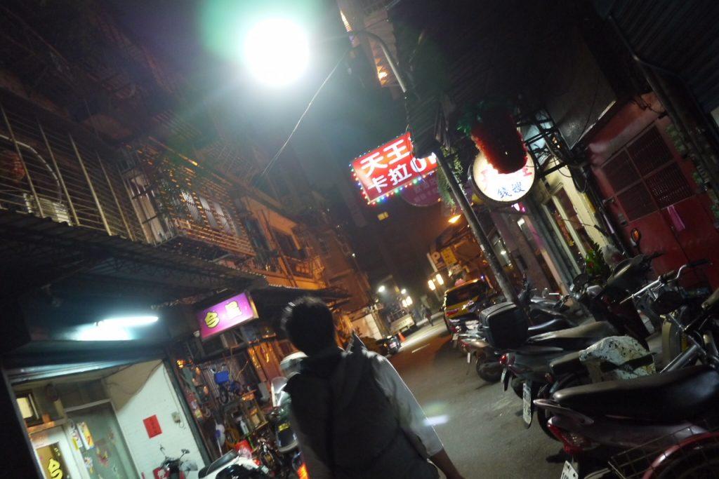 龍山寺付近の路地裏