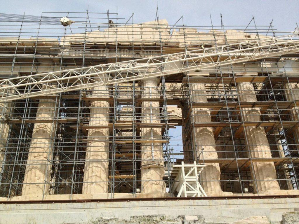 パルテノン神殿、アテナとポセイドンの戦い