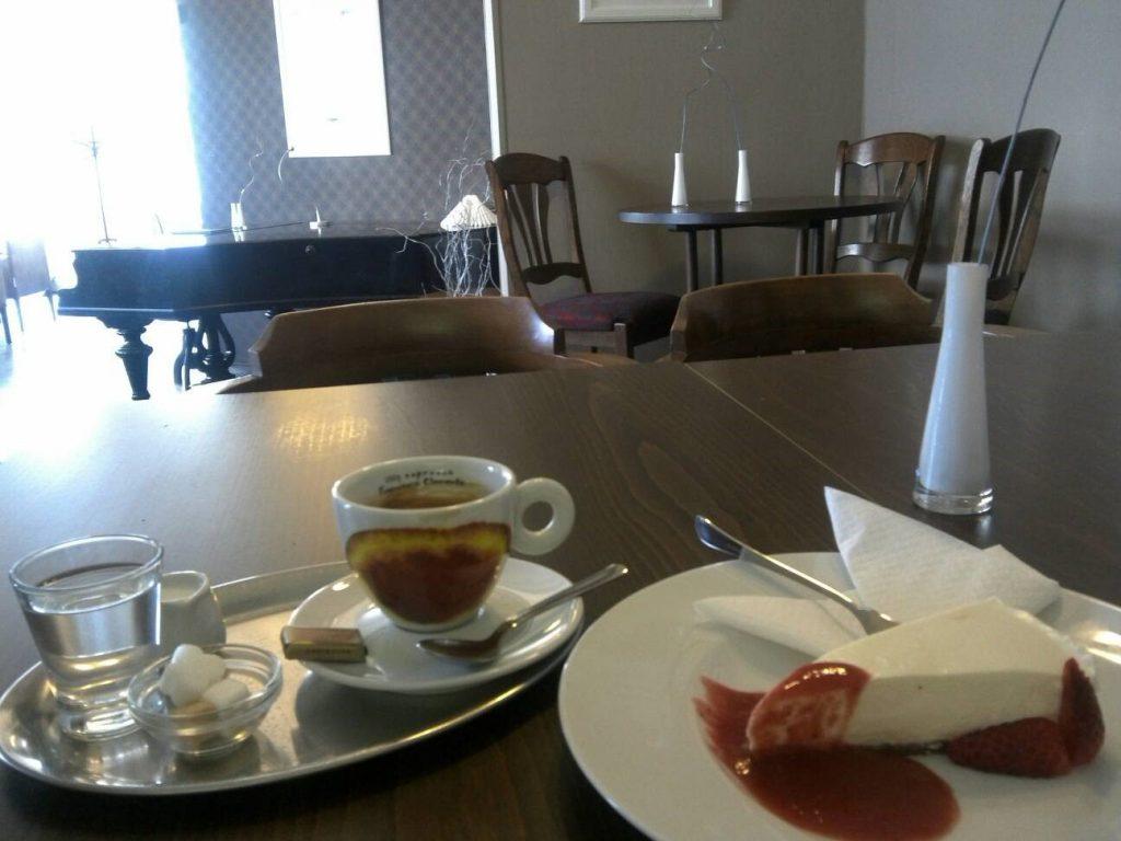 プラハのカフェ、Cafe Pointaのチーズケーキ