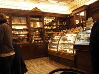 タリンのカフェMaiasmokk店内
