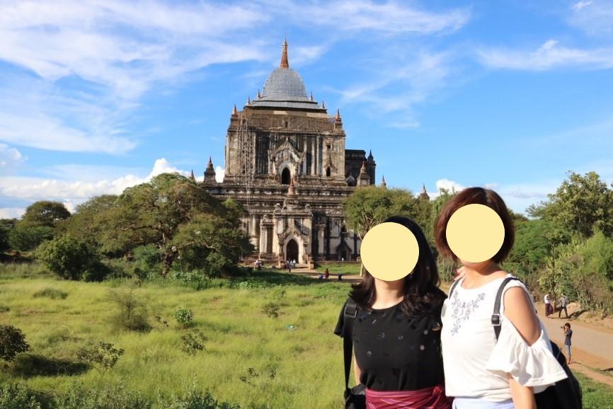 ミャンマーのバガンのタビニュ寺院