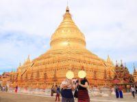 ミャンマーのバガンのシュエジゴンパゴダ