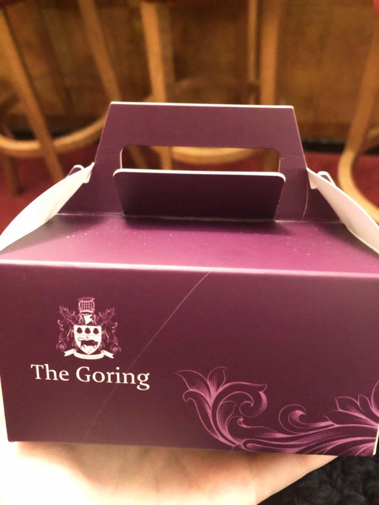 The Goring(ゴーリング)のアフタヌーンティーお持ち帰り箱