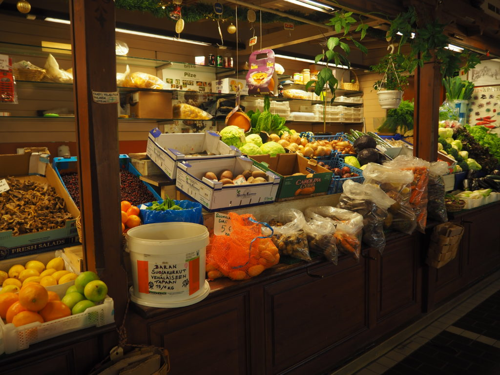 ヘルシンキのオールド・マーケットホールの野菜