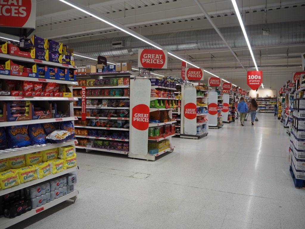ロンドンのスーパー、セインズベリーズ Sainsbury's店内