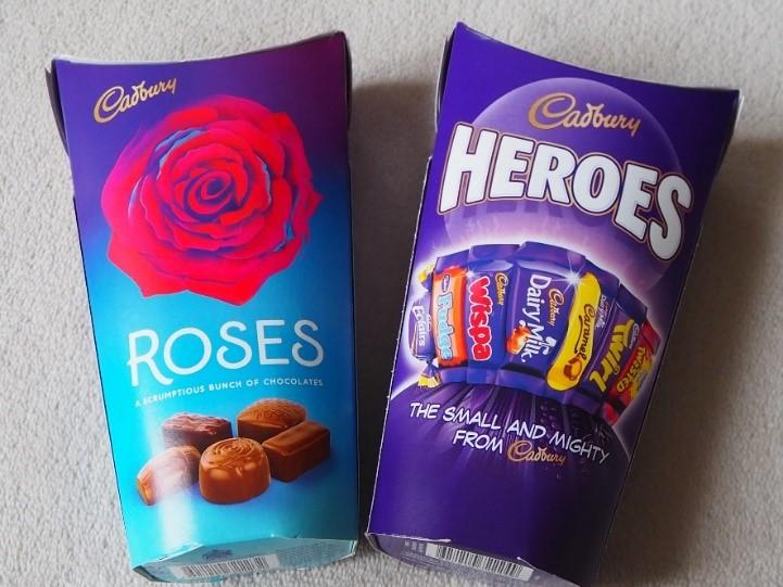 ロンドンのスーパー、テスコ Tescoのキャドバリー(Cadbury)のチョコレート