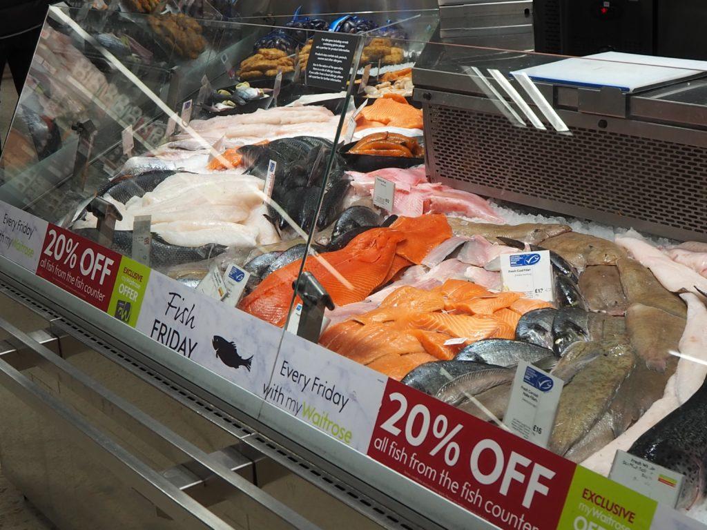 ロンドンのスーパースーパー、ウエイトローズ Waitroseの魚