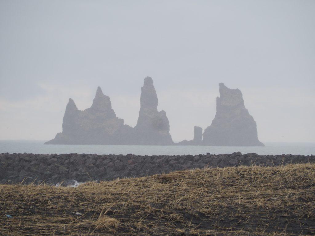 アイスランド最南端のヴィーク村の奇石