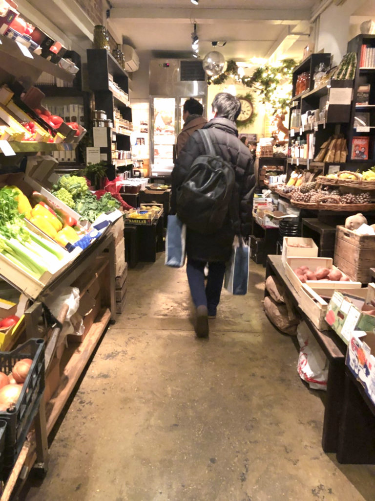 La Fromagerieの店内