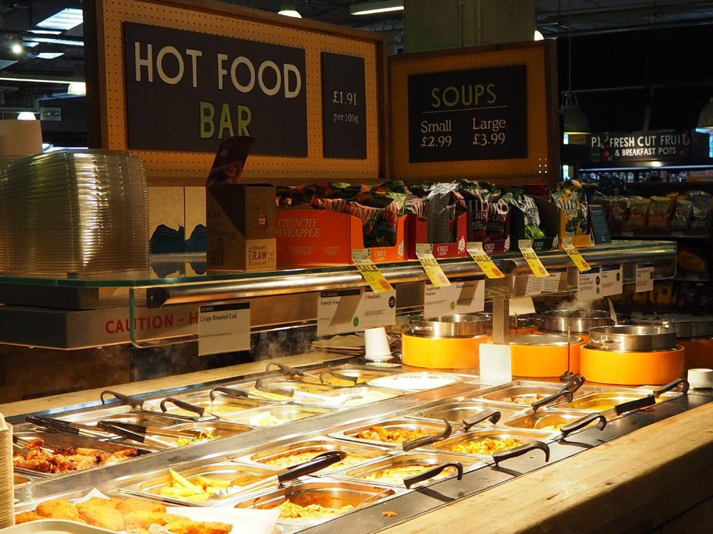 ロンドンのスーパー、ホールフーズマーケット Whole Foods Marketの温かい食べ物