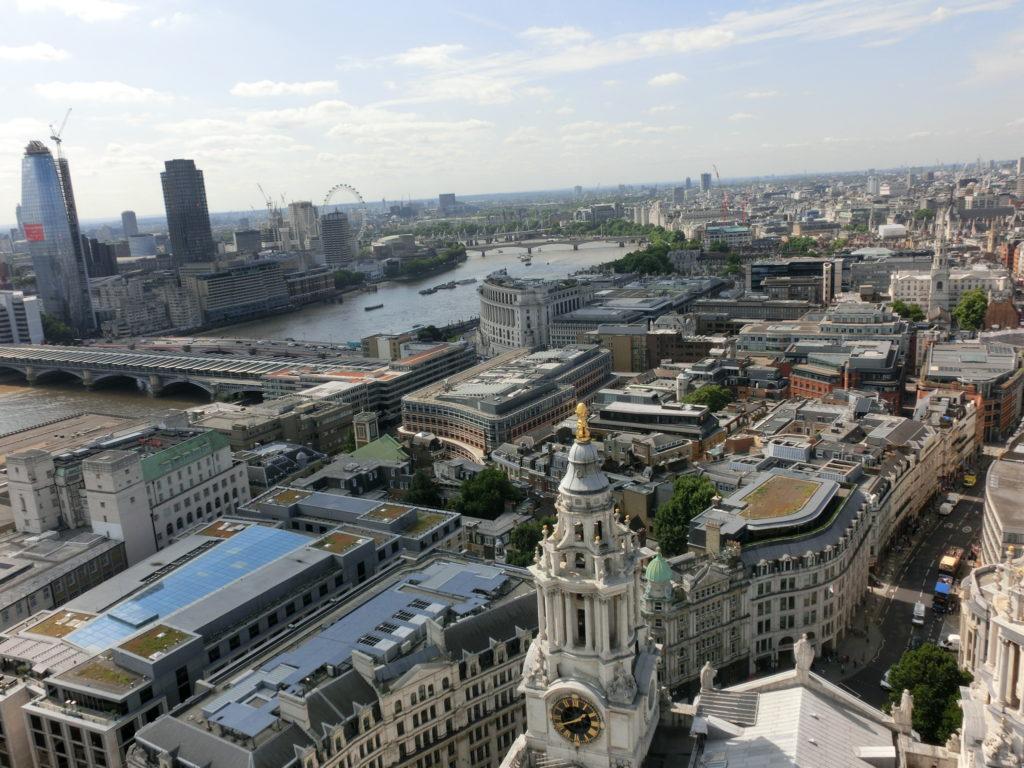 ロンドンのセント・ポール大聖堂(St Paul's Cathedral)の屋上から見た景色