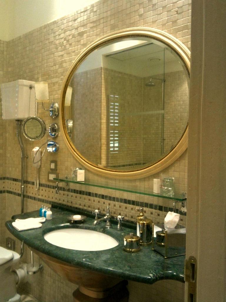 ドブロブニクのプチチ パレス(The Pucic Palace)のバスルーム