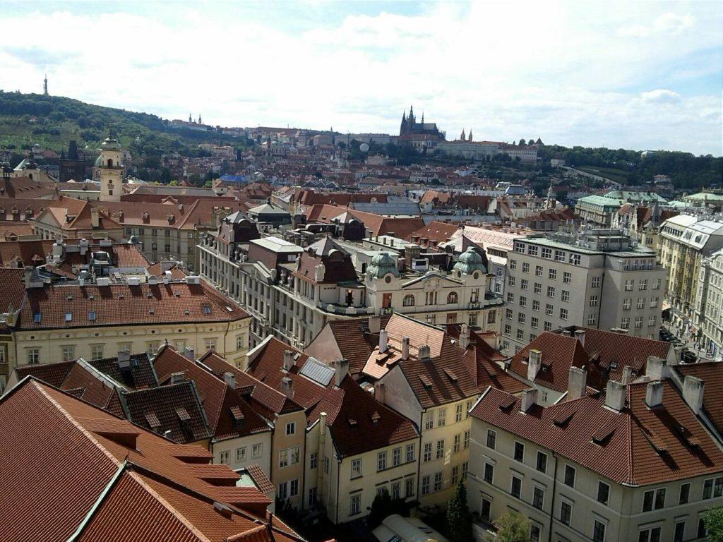 プラハ旧市庁舎から眺める旧市街