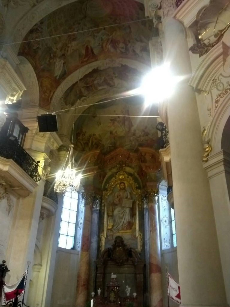 プラハ旧市街の聖ミクラーシュ教会