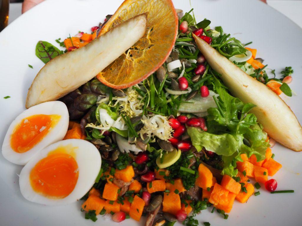 レイキャヴィークのレストラン、スナプス SNAPSの鴨のサラダ