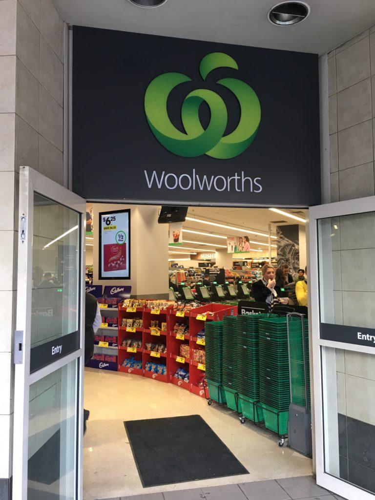 シドニーのスーパー、woolworths