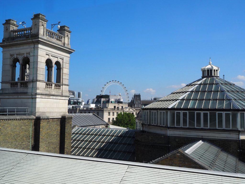 ロンドンのポートレートレストラン(Portrait Restaurant)から見えるロンドンアイ
