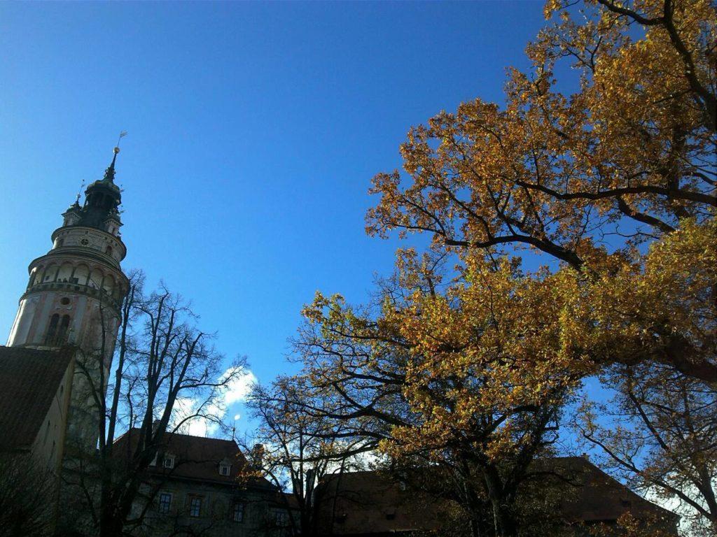 チェスキー・クルムロフ城の紅葉