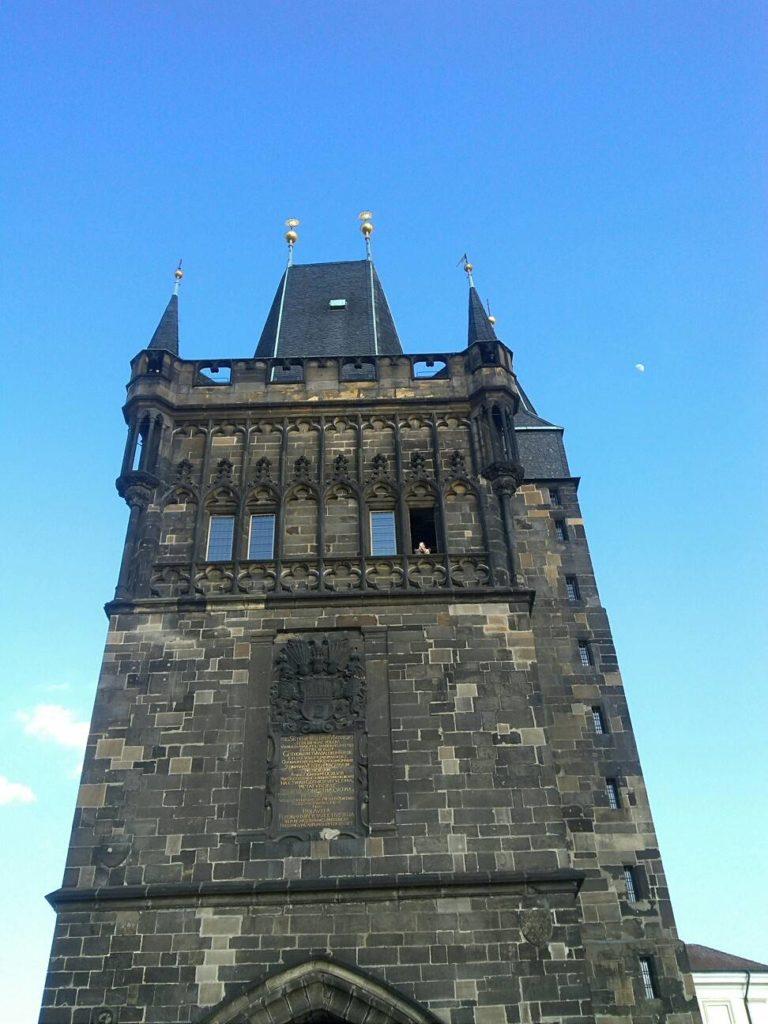 プラハのカレル橋の旧市街タワー・ゲート