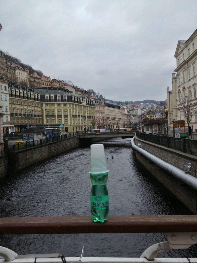 チェコで最も有名なミネラルウォーター「Mattoni (マットーニ)」