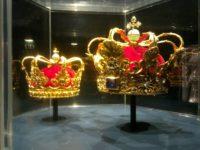 ローゼンボー城のクリスチャン5世の王冠と王妃の冠