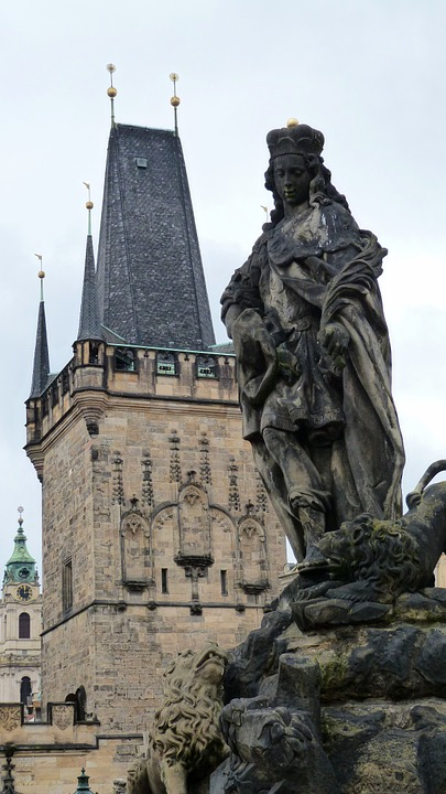 プラハのカレル橋の聖ヴィトゥス