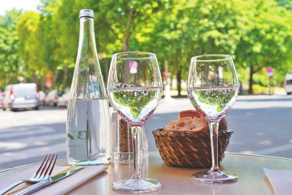シドニーのレストランの水、イメージ
