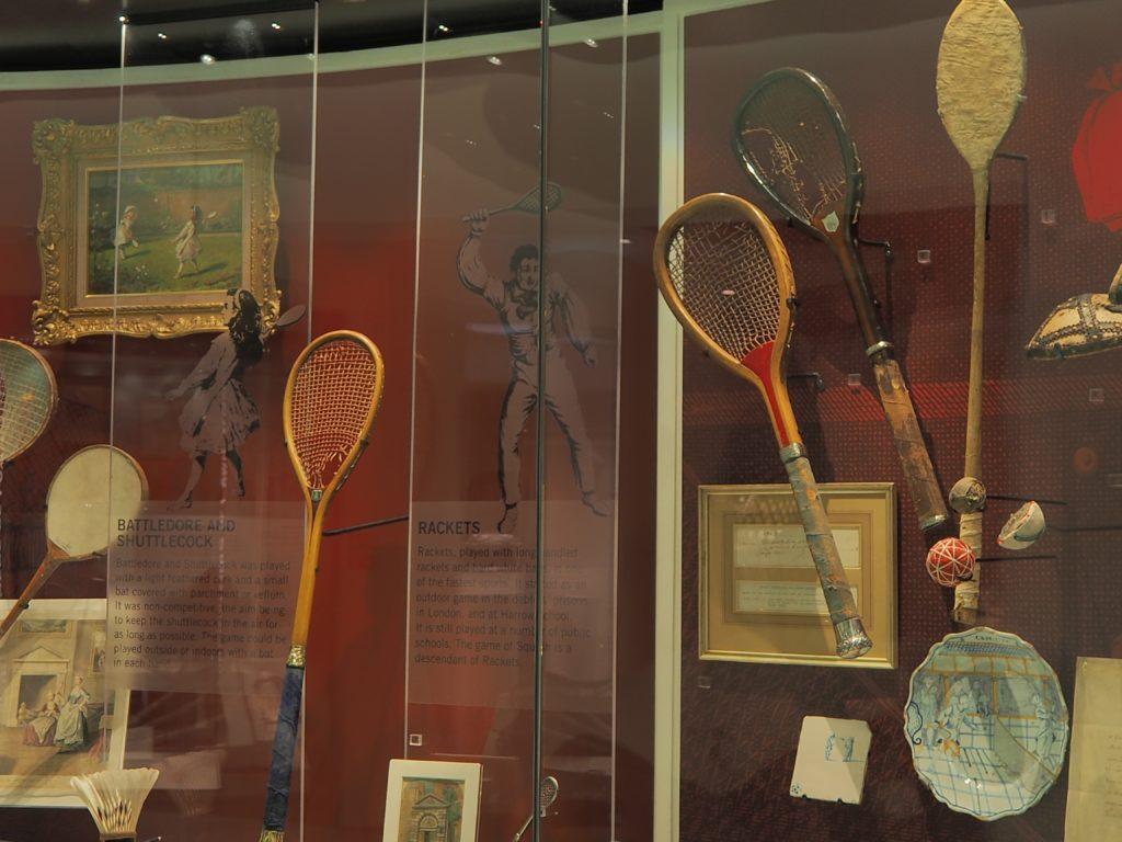 ウィンブルドン(Wimbledon)に展示されているテニスラケット