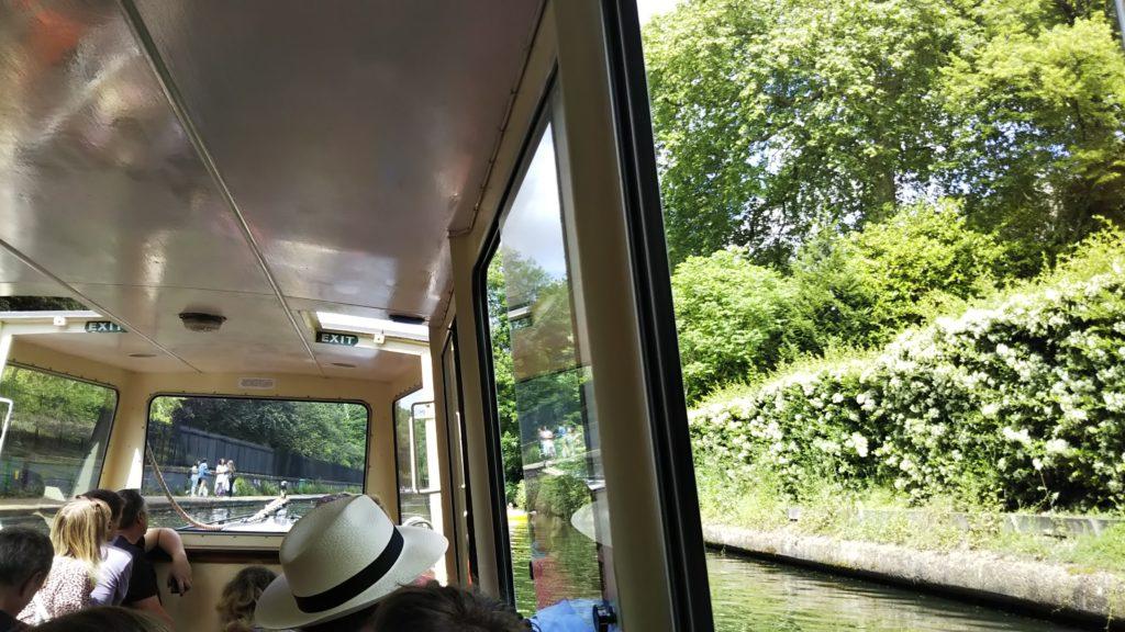 リトル・ベニスからカムデン・ロックへ向かう水上バスから見える景色