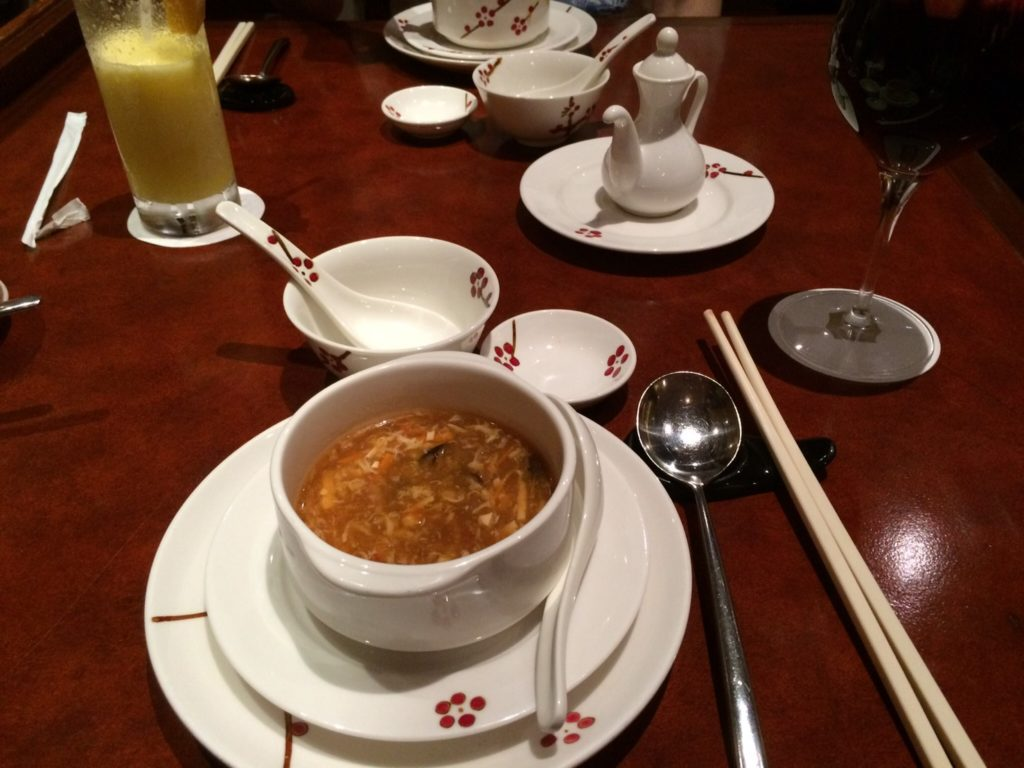 セブ島シャングリラホテル内のティー オブ スプリング(TEA OF SPRING)の酸辣湯スープ