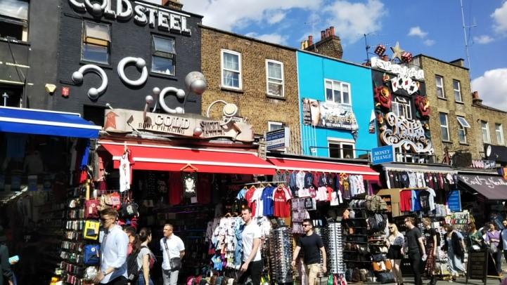 ロンドンのカムデン・ロック・マーケットの様子