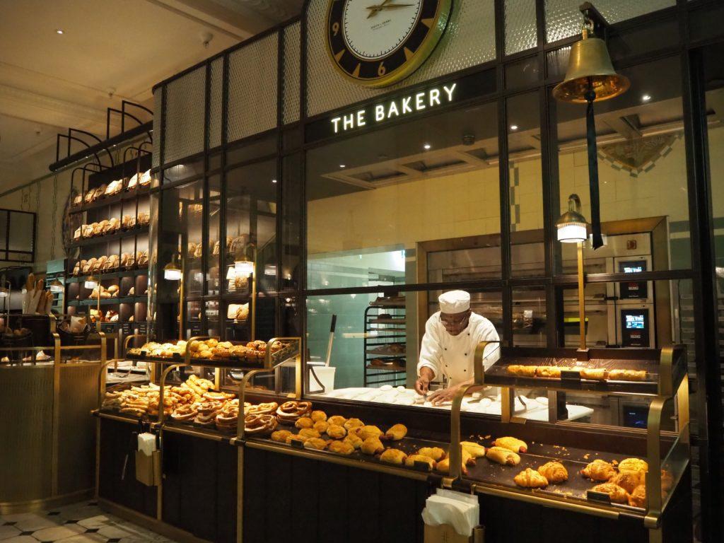 ロンドンのハロッズ(Harrods)のフードホール(Food Halls)