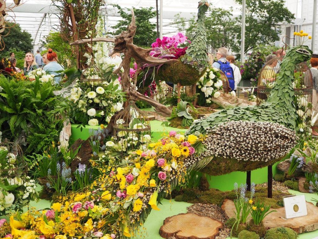 チェルシー・フラワーショー(Chelsea Flower Show)で展示されている、植物で作られた孔雀