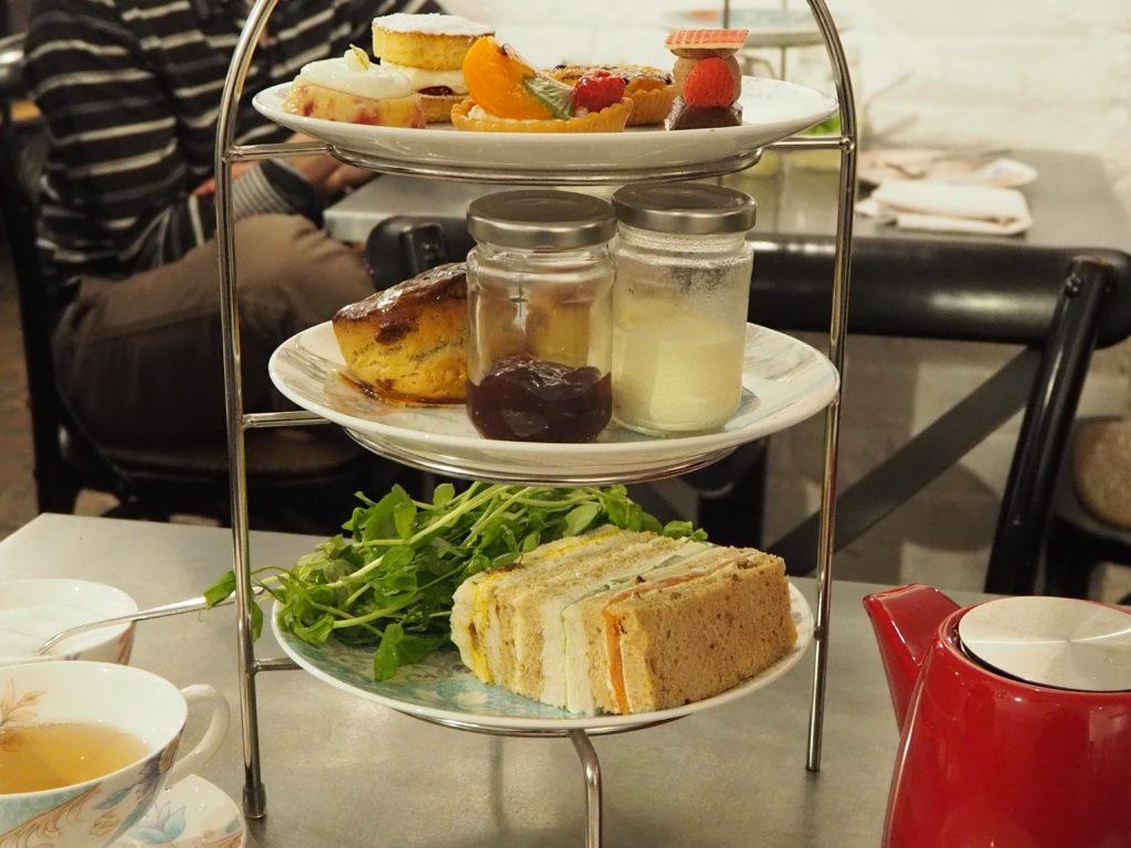 ロンドンのコヴェント・ガーデンのウィッタード(whittard)のカフェ、TEA BARのアフタヌーンティー