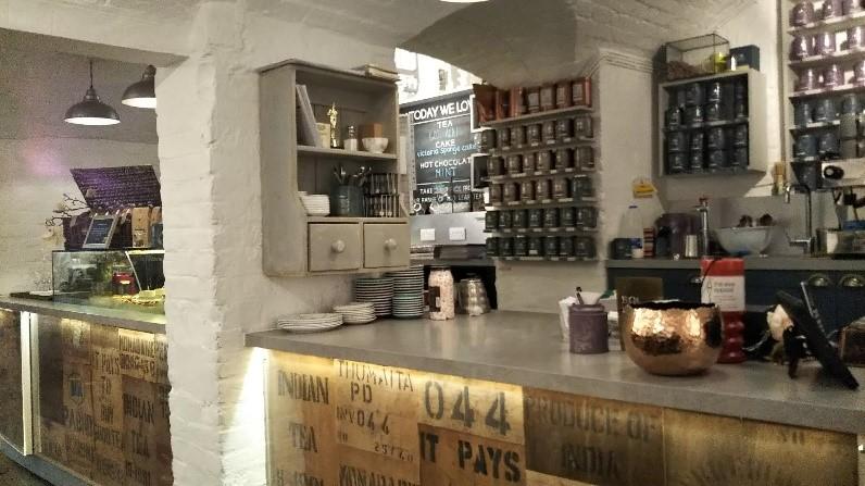 ロンドンのコヴェント・ガーデンのウィッタード(whittard)のカフェ、TEA BARの紅茶
