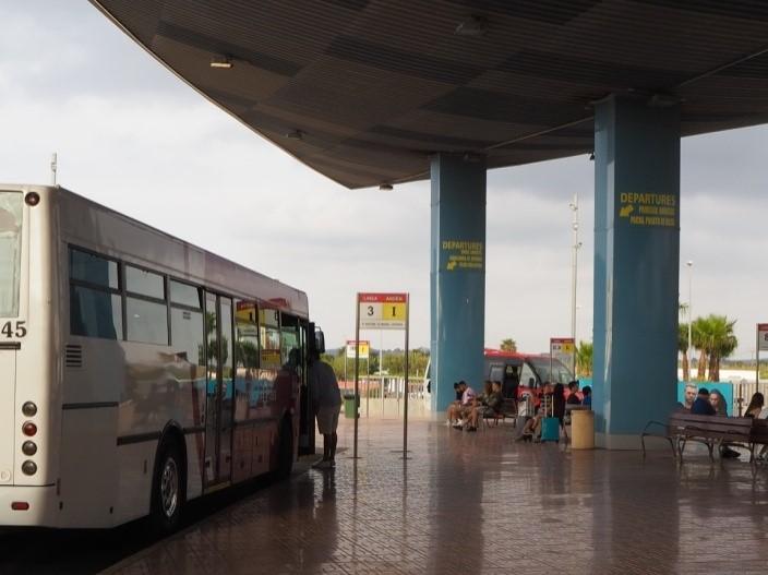 サン・アントニ・バス乗り場