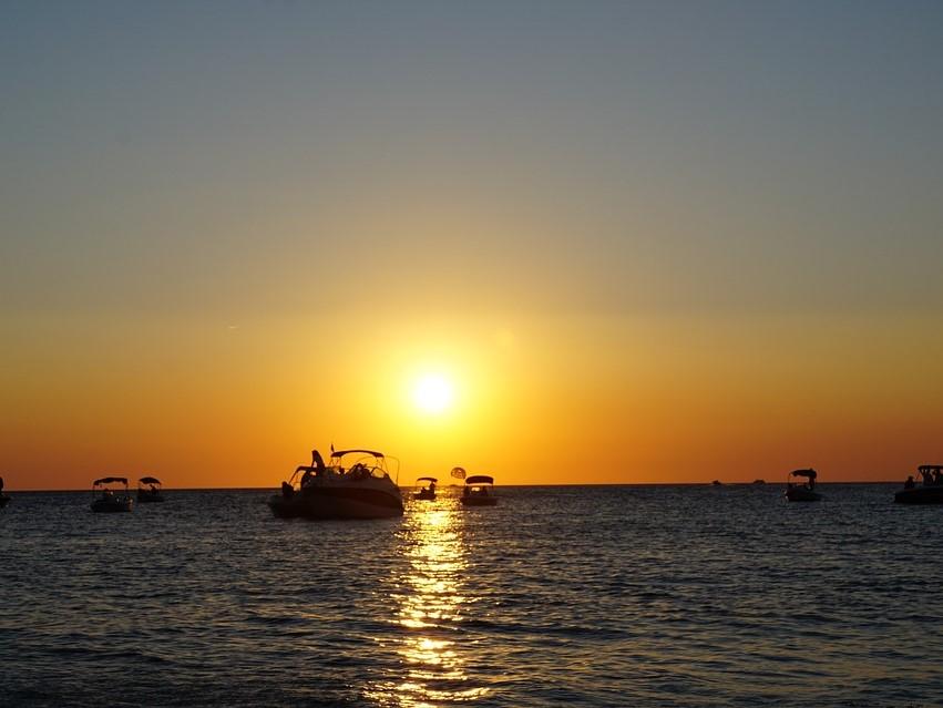 イビサ島のサン・アントニのサンセット