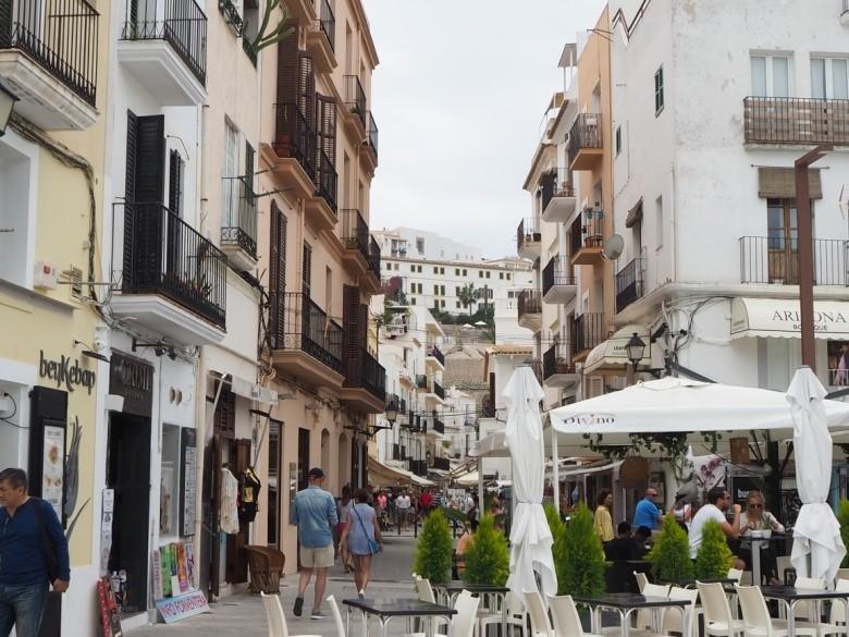 イビサタウンのマリーナ(La Marina)地区
