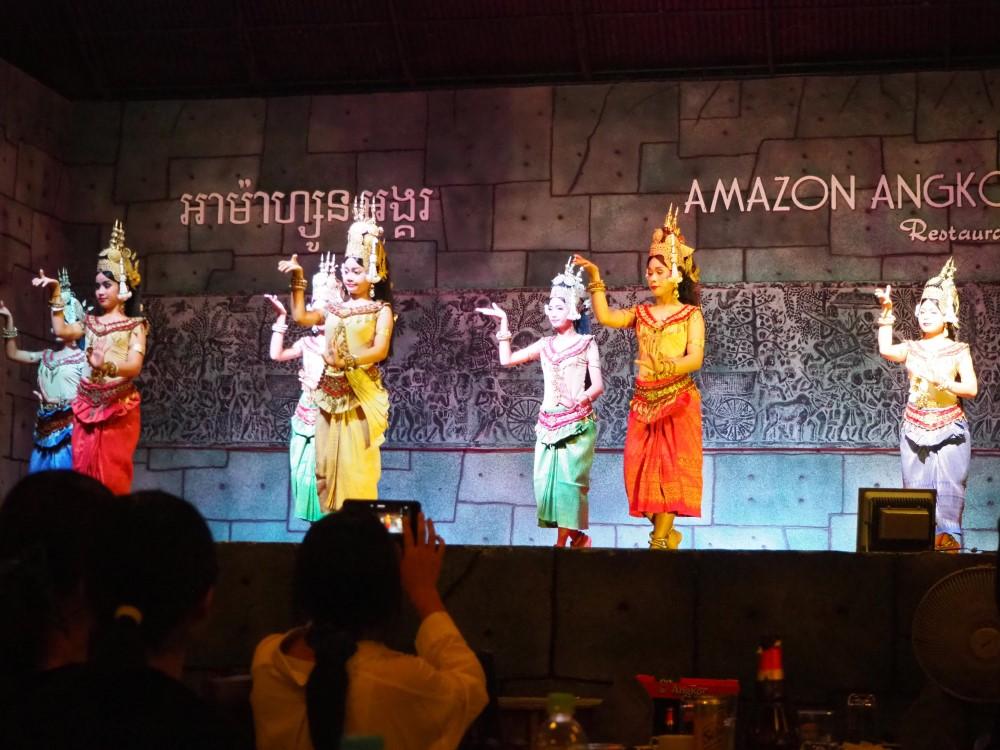 シェムリアップの伝統舞踊 「アプサラダンス」ショー
