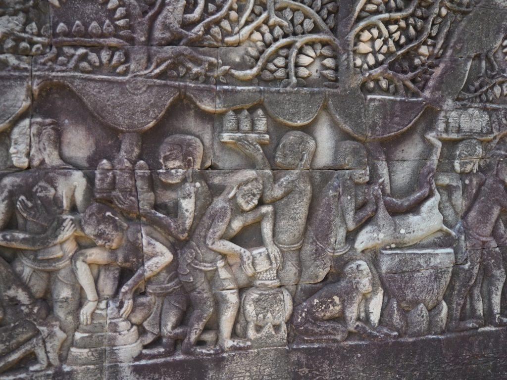 アンコールトムのバイヨン寺院のレリーフ