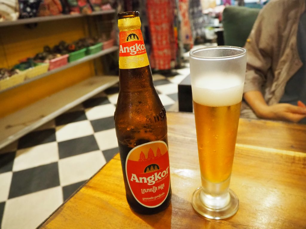 シェムリアップのレストラン、クメール・ファミリー(Khmer Family)のアンコール・ビール