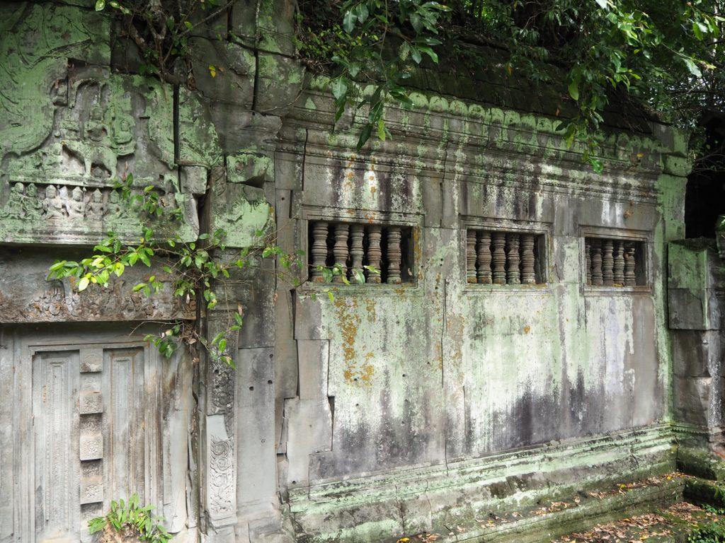 アンコール遺跡群のベン・メリアにある、インドラ神のレリーフ
