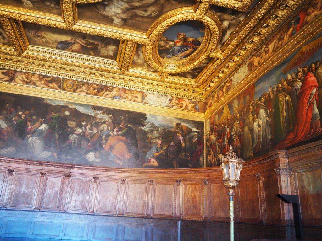 ドゥカーレ宮殿(Palazzo Ducale, Doge's Palace)の十人委員会の間(Sala del Consiglio dei Dieci)にあるヴェロネーゼ作「老いと若さ」