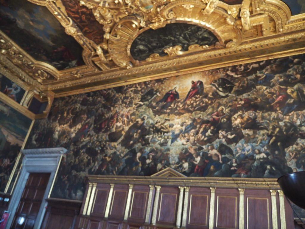 ドゥカーレ宮殿(Palazzo Ducale, Doge's Palace)の大評議会の間(Sala del Maggior Consiglio)のティントレット作「天国」